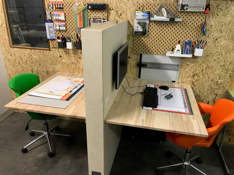 Co-Working-Desks im MAKERSPACE